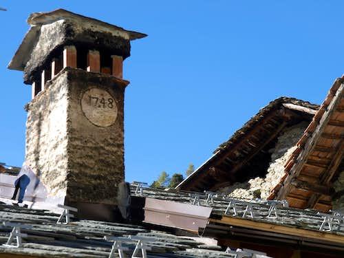 Tour above Parleyaz Village Napoleonic chimney 2015