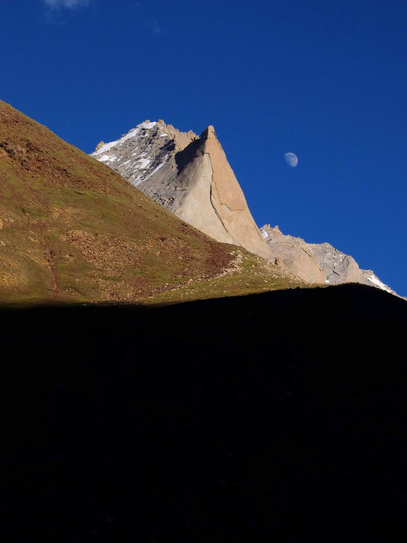 Unknown 5000m Peak on Approach to Kun Base Camp