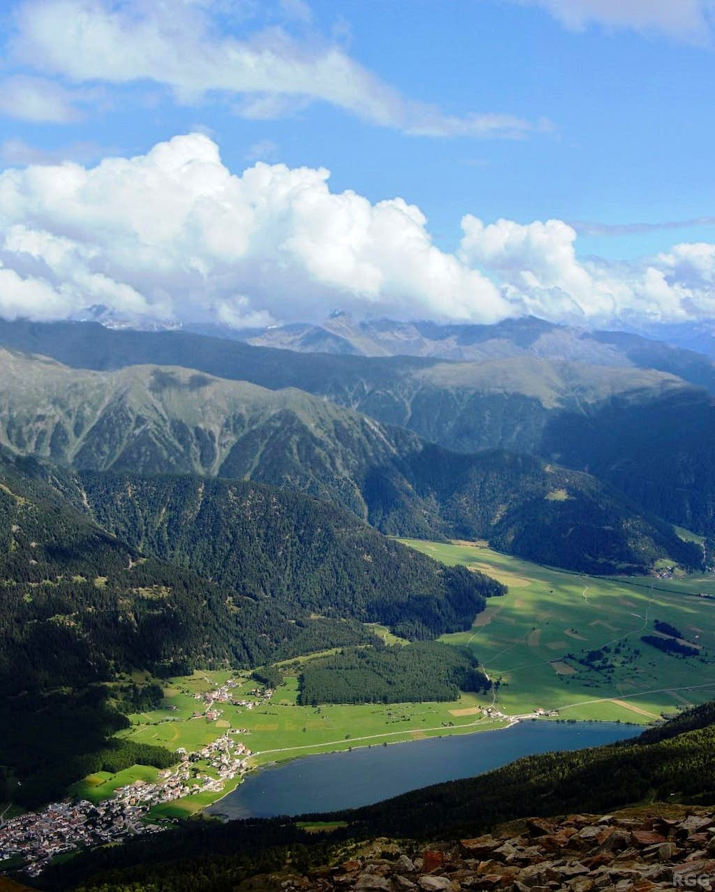 View down to the southern Reschensee from the Elferspitz