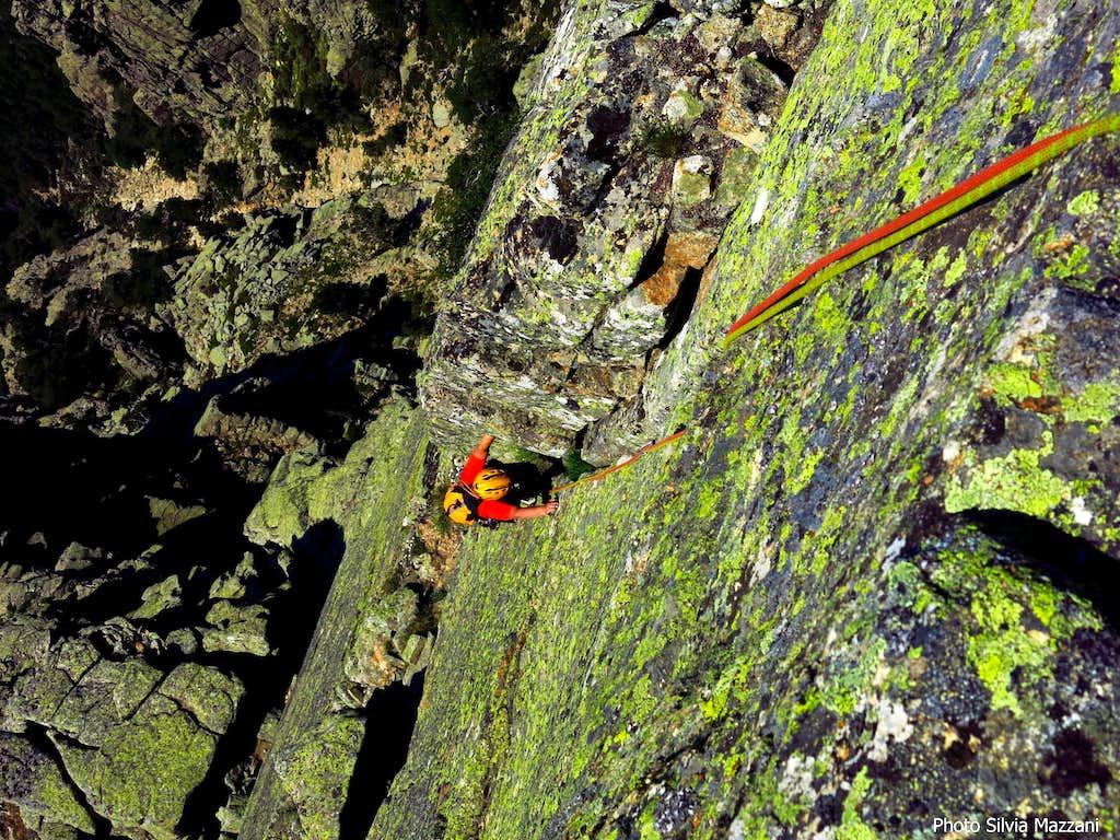 Corner-crack on Arête de Zonza