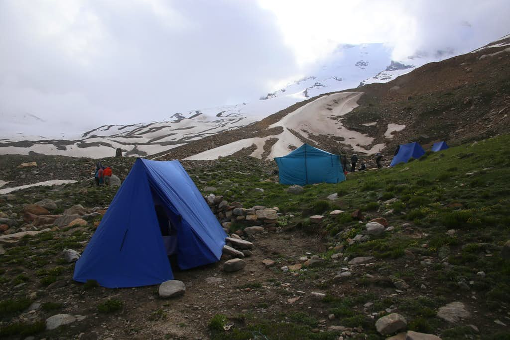 Kun Base Camp 4300m