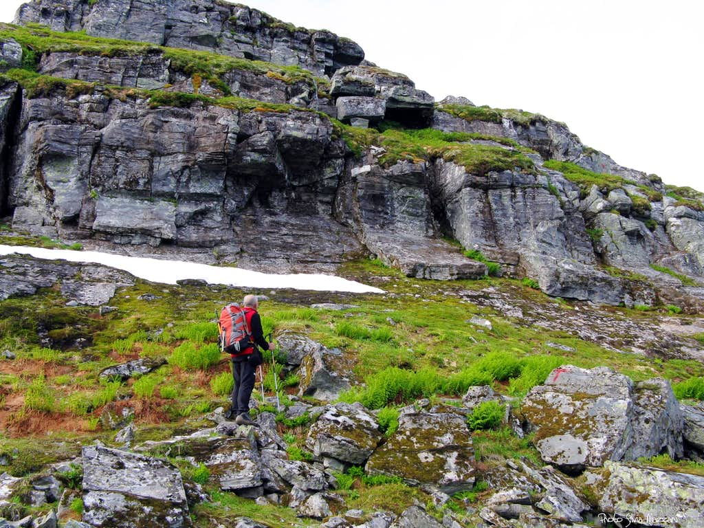 Eggjenibba, first rocky step on NNW route