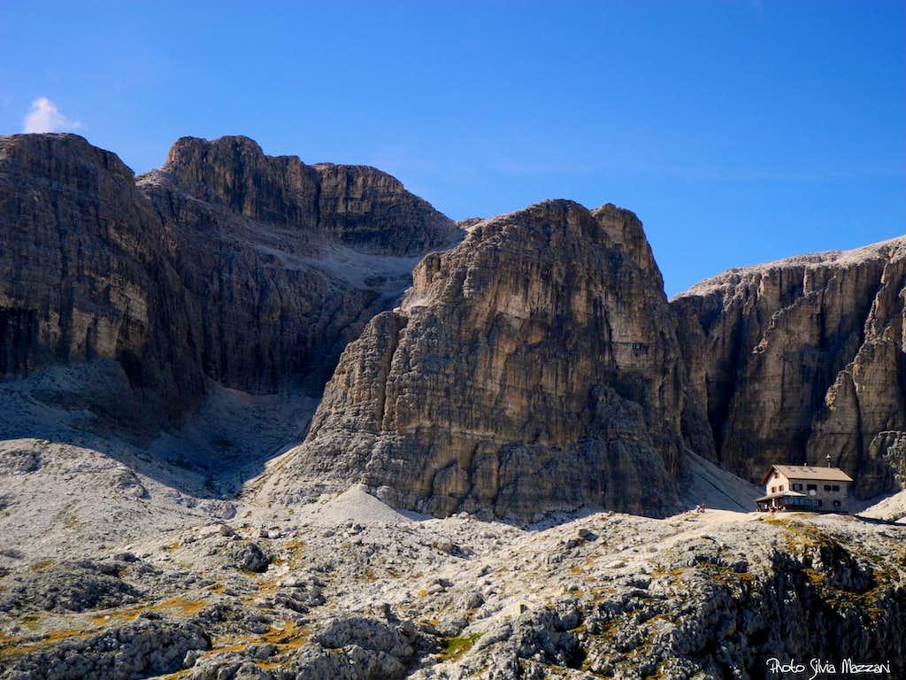 Refuge Kostner and Sasso del Rifugio from Col de Stagn