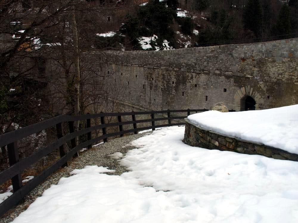 Eastern Entrance on Pondel or Pont d'Ael Bridge 2016