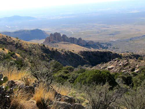 Cliffs above Fillmore Canyon Trailhead