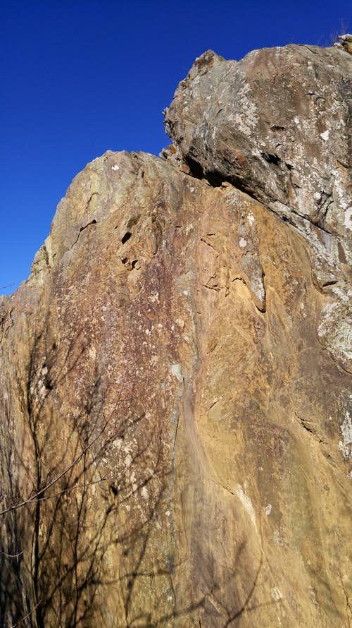 Cliffs at Raven's Roost-- Black Streak (5.8)
