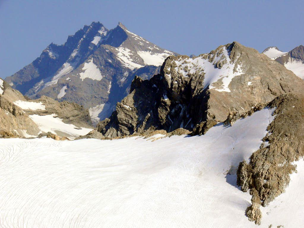 Becca della Traversiere (3.337m)...