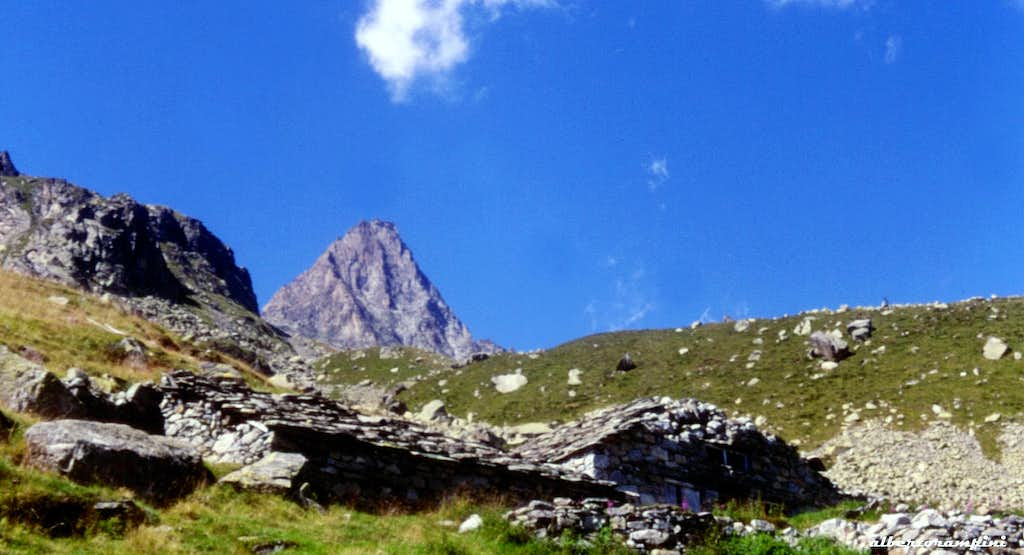 Secluded old alp on the way to Becco Meridionale della Tribolazione