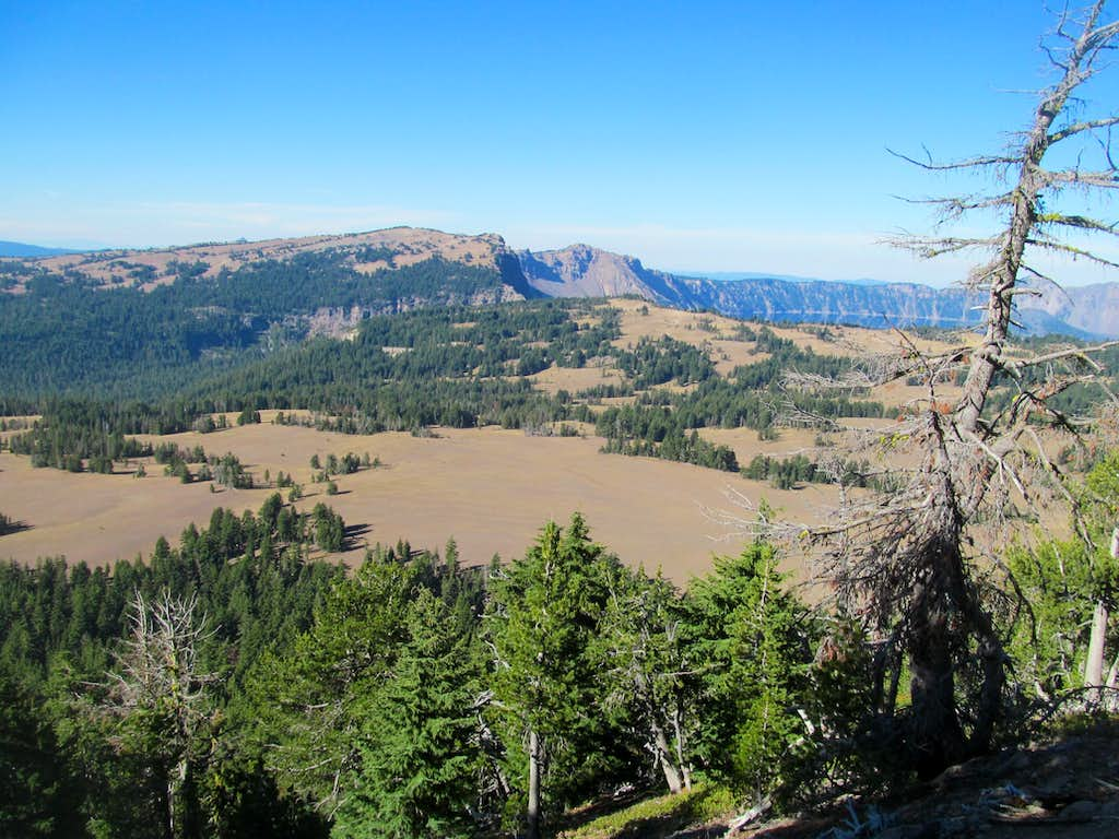 Crater Lake rim from Scott Trail