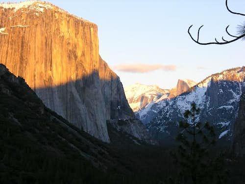 Alpenglow El Cap w/ Cloud's...