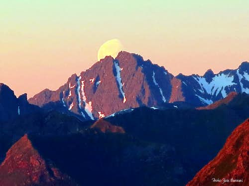 Moonrise seen from the summit of Hoven