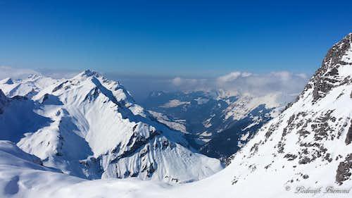 Summit view towards Hochberg (2324m, left)