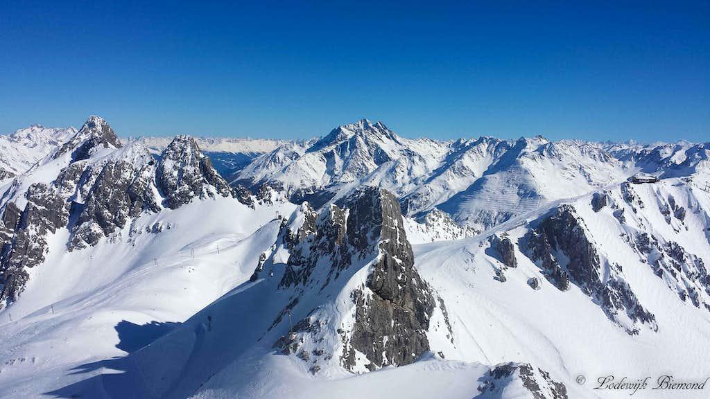 Valluga summit view towards Hoher Riffler (3168m)