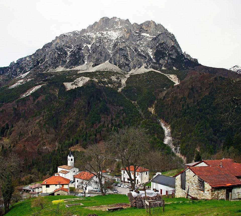 Creta Grauzaria above Dordolla