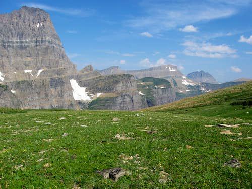 Tundra & Peaks