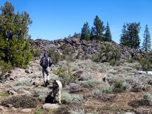 Heading towards the rocky wall towards the north summit