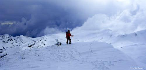 Storm approaching the summit of Rocca Pianaccia