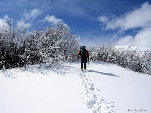 Unexpected spring snowfall on Rocca Pianaccia
