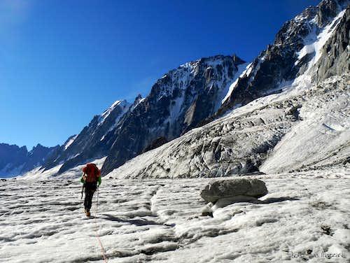 The approach along Glacier d'Argentière
