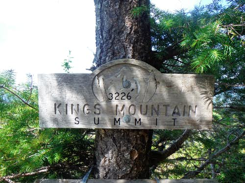 Summit Sign on Kings Mountain