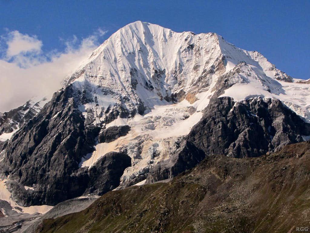 The spectactular Königspitze (Il Gran Zebrù) northeast face