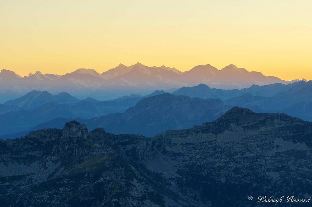 Ridges at sunset: Mischabel (4545m;14.911ft) and Cima del Masnee (2203m)