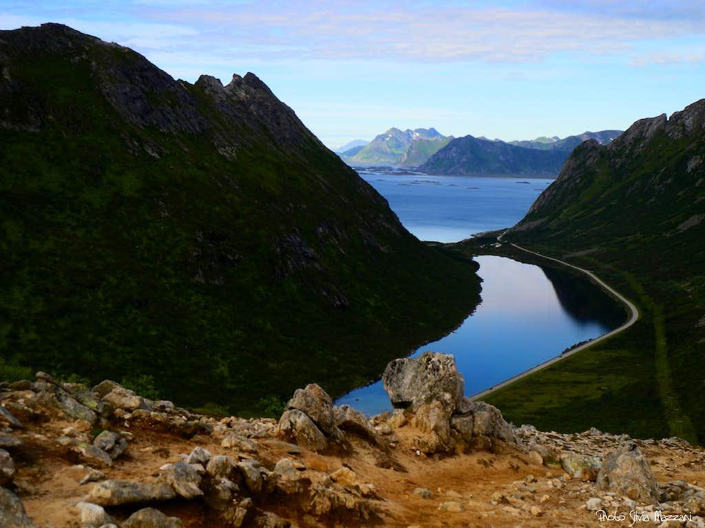 Rørvika Lake seen from Glåmtinden