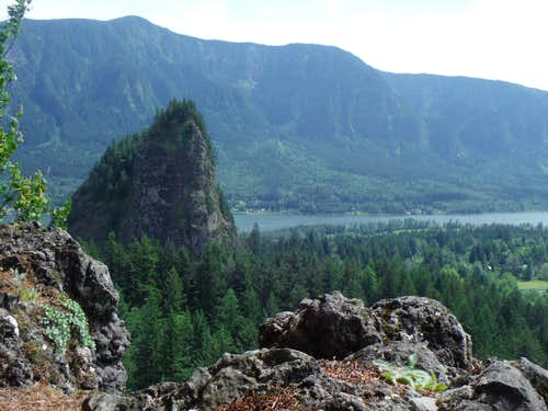 Looking from the summit of Little Beacon Rock