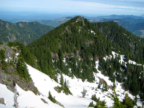 Twin Peaks north summit from south summit