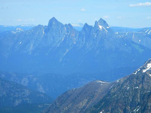 Hozomeen Peaks