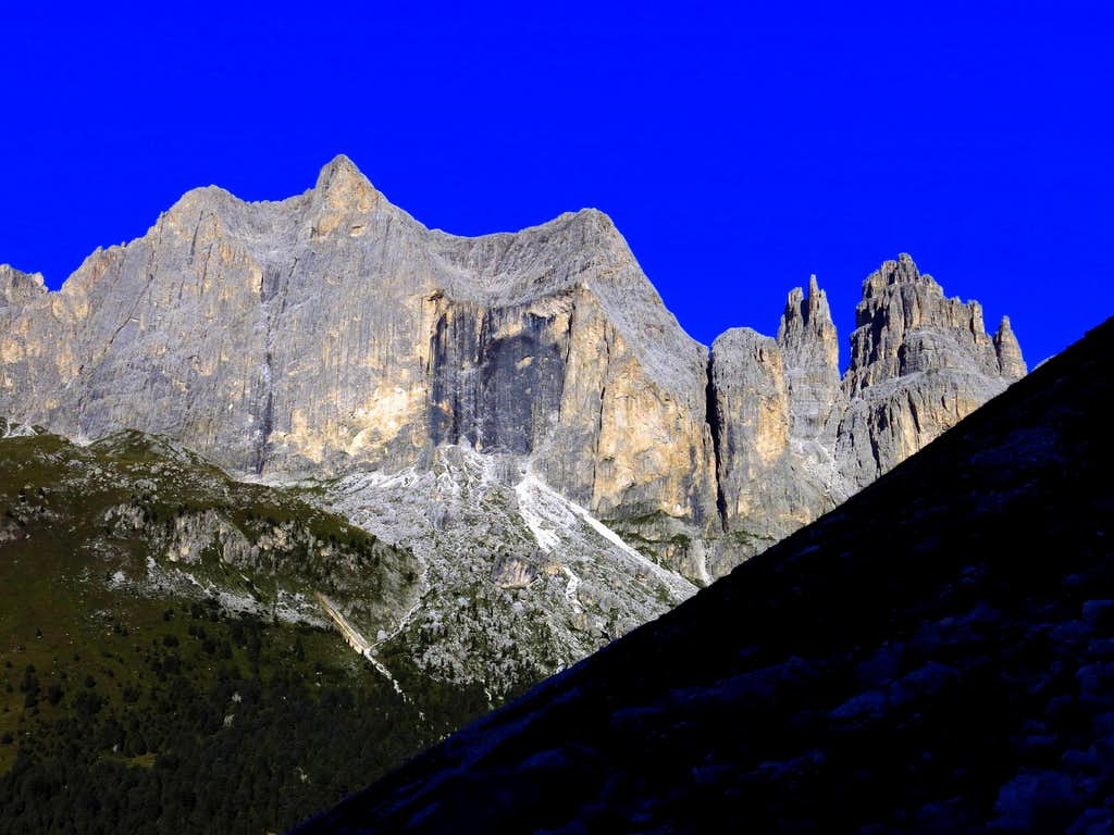 Catinaccio from the approach to Guglia del Rifugio