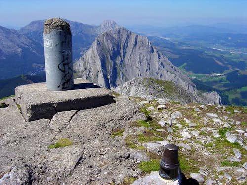 The summit of Alluitz ....