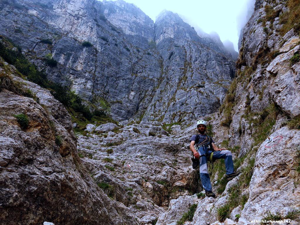 Descent along the wild Voro d'Uderle