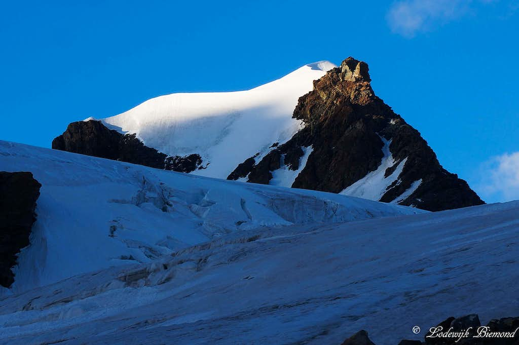 Pollux South Face (4092m)