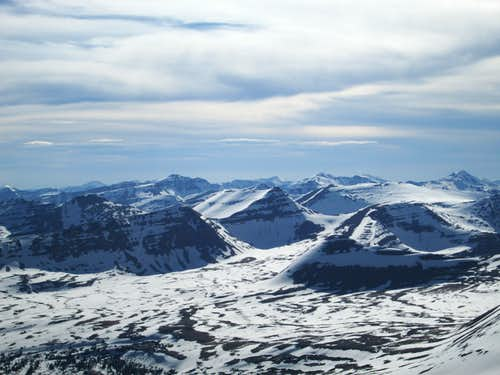 View of the southern Uinta Range from the summit of Kings Peak