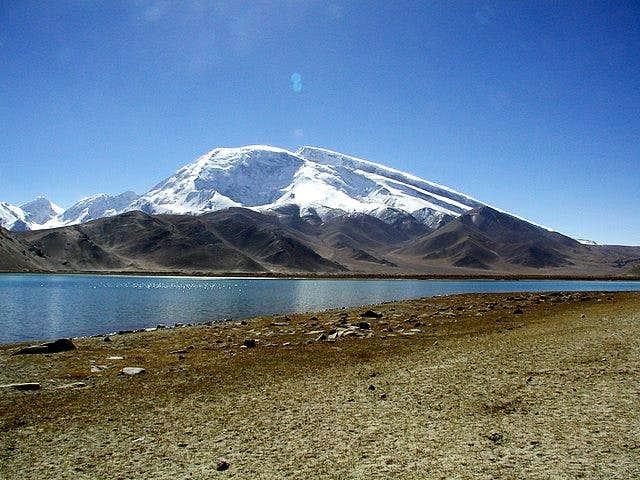 Muztagh Ata. Oct 2002