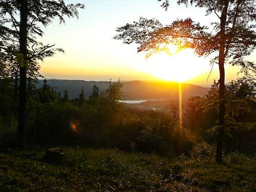 Sunrise moments on Dwernik Kamień Summit
