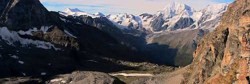 Panoramic view to the south from the base of the Tschenglser Hochwand
