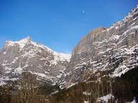 Wetterhorn (3692 m) at left...