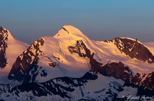 Allalinhorn NE-Face (13211 ft / 4027 m) Alpenglow