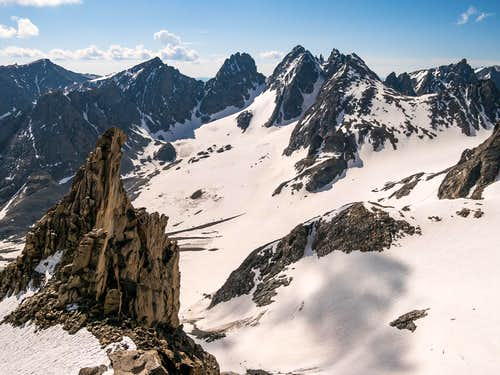 Gooseneck Pinnacle and Dinwoody Glacier