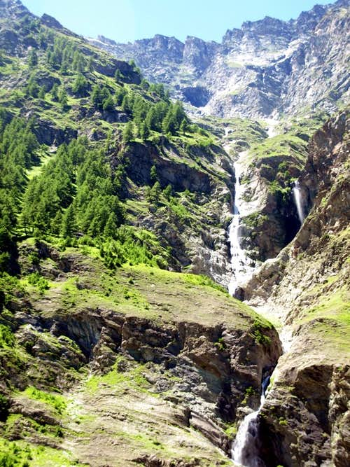 Savarenche ... Waterfalls neighboring Fenille 2016