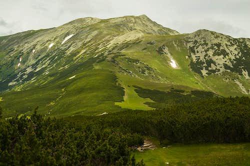 Towards Mt.Custura