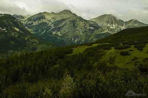 Mount Peleaga and Mount Papusa