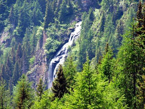 Echellettes Waterfalls above Chardonney Hamlet 2016