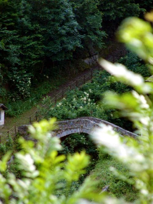 Pontboset ... Ancient bridge to