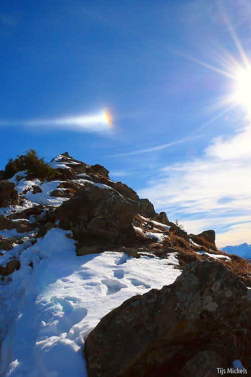Ice crystal halo above Portlahorn