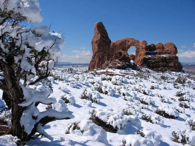 Turret Arch (Windows Section...