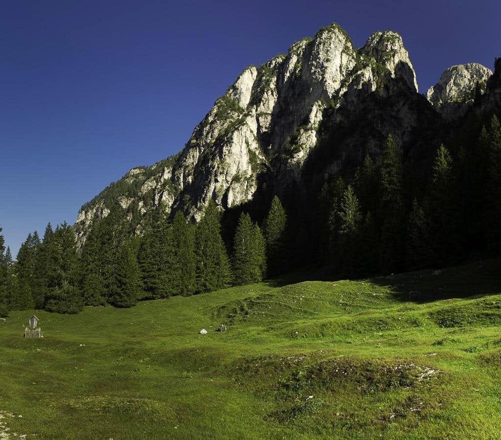 Rock faces above Schaflegeralm
