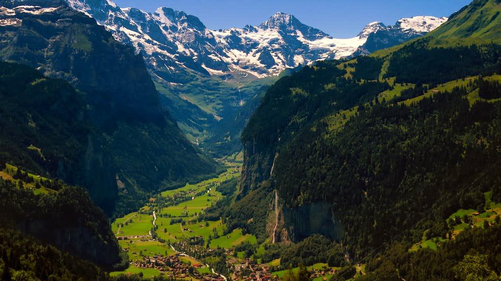 Breithorn above Lauterbrunnental valley